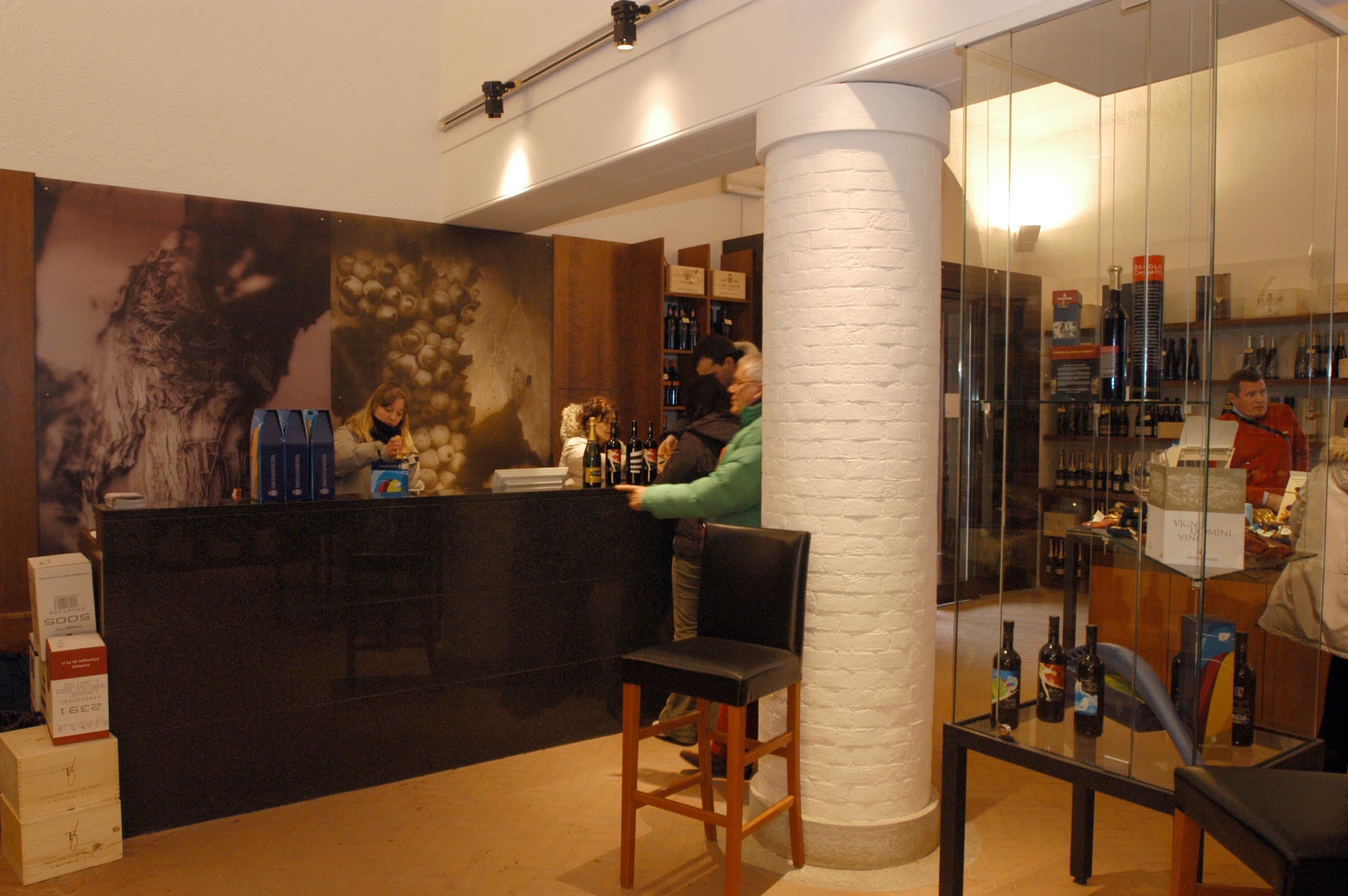 FONTANAFREDDA: WINE BAR